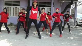 Video GOYANG DUMANG LINE DANCE  TEAM KOMPOSER BINTARO download MP3, 3GP, MP4, WEBM, AVI, FLV November 2018