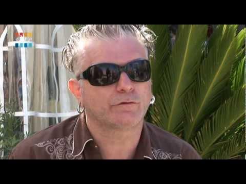 Sanseverino 39 cette conne m 39 ennuie 39 funnydog tv - La maison sur le port amalia rodriguez ...