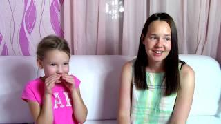 Саша с сестрой против мамы / Малышка в эфире / Музыкальный челлендж Угадай песню наоборот