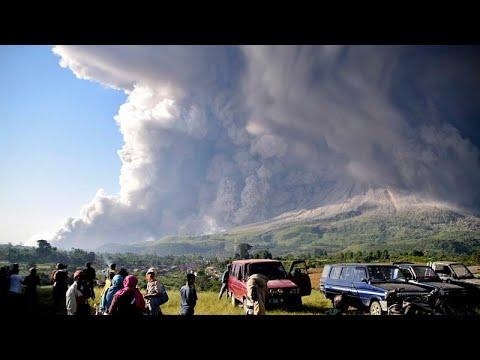 شاهد:  بركان جبل سينابونغ بإندونيسيا.. حين تغضب الطبيعة!  - نشر قبل 7 ساعة
