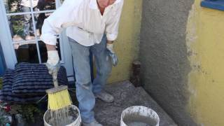 Teaching  how to apply a knockdown stucco dash finish or texture