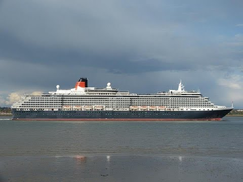 """AIDAstella"", ""Queen Victoria"", ""Black Watch"" & ""Queen Mary 2"" in Southampton - 26/04/2013"