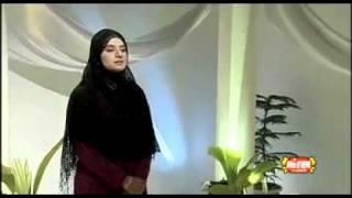 Kaabe ki ronaq kaabe ka manzar Allah Akabar - Hamad By Huria Rafiq Qadri.flv