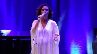 "Maria Rita canta ""Como nossos pais"" de Elis Regina (22 de setembro de 2012)"