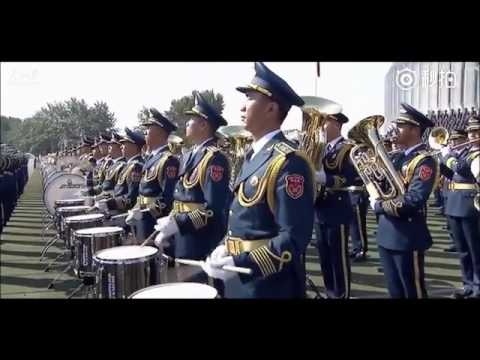"Over 1000 Chinese PLA soldiers came together to sing ""Unity is Strength"""