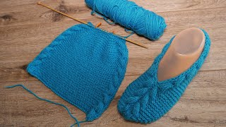 Лазурные следки спицами с объёмной косой 👟 Azure slippers knitting pattern