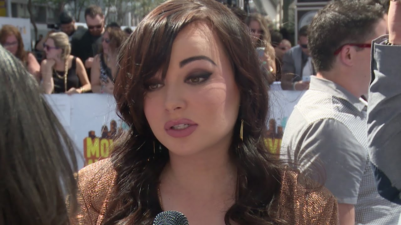 Ashley Rickards Nude Photos 16