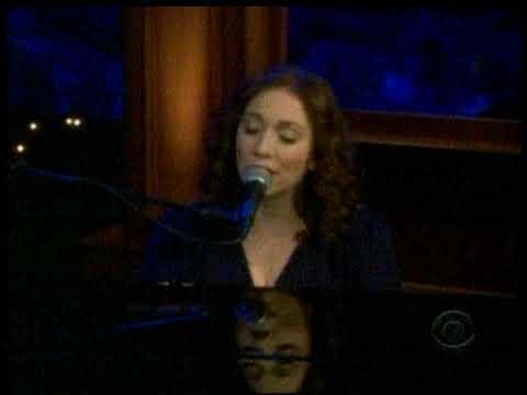 Regina Spektor Eet Live On Craig Ferguson Late Late Show 11-07-09