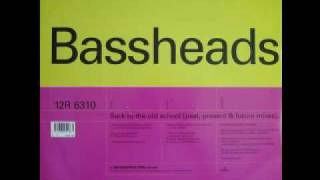 BASSHEADS - Back To The Oldskool (DECONSTRUCTION RECORDS)
