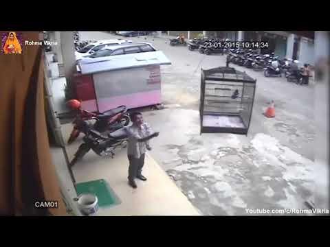 LUCU BANGET   Video Lucu CCTV Indonesia Parah Abis Bikin Ngakak 2017