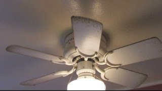 How to Clean a Greasy Ceiling Fan
