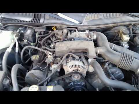 what the engine looks like 2003 Lincoln Town Car - YouTubeYouTube