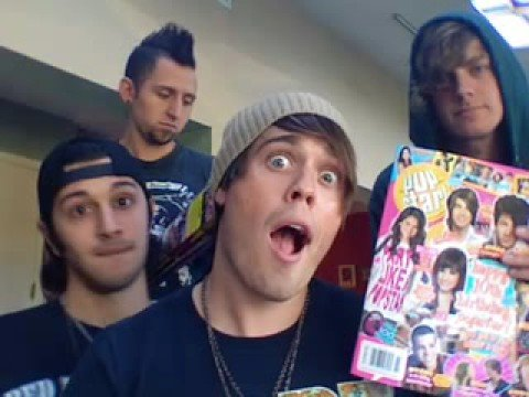 Article A is in POPSTAR! Magazine!