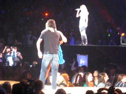 Taylor Swift - Teardrops on My Guitar in Chicago 10/10/09
