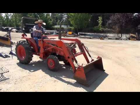 Nevada County Surplus Auction - Lot 802: Kubota L2250 Wheel Tractor w/ Loader Attachment
