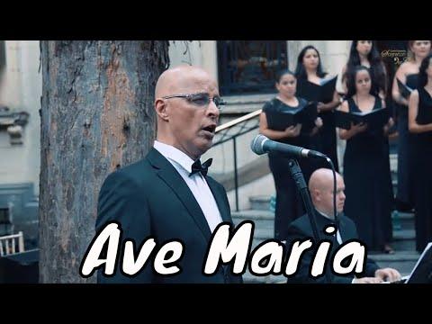 Ave Maria cantado em Latim Coral & Orquestra Sognatori Per Caso