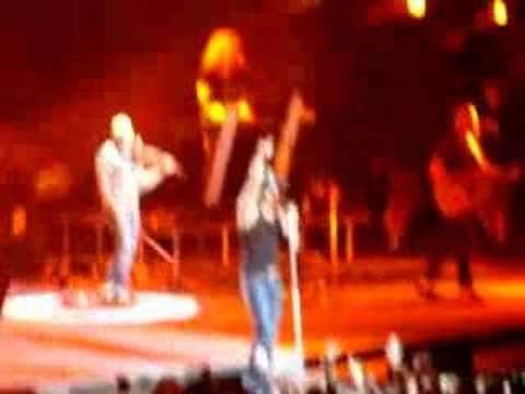 tim mcgraw almost fights drunk fan at white river