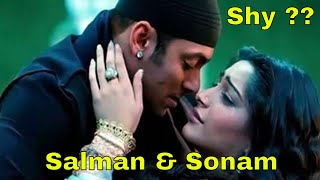 Dabangg Salman Khan Shy Romancing Sonam Kapoor | New Bollywood Movies News 2014