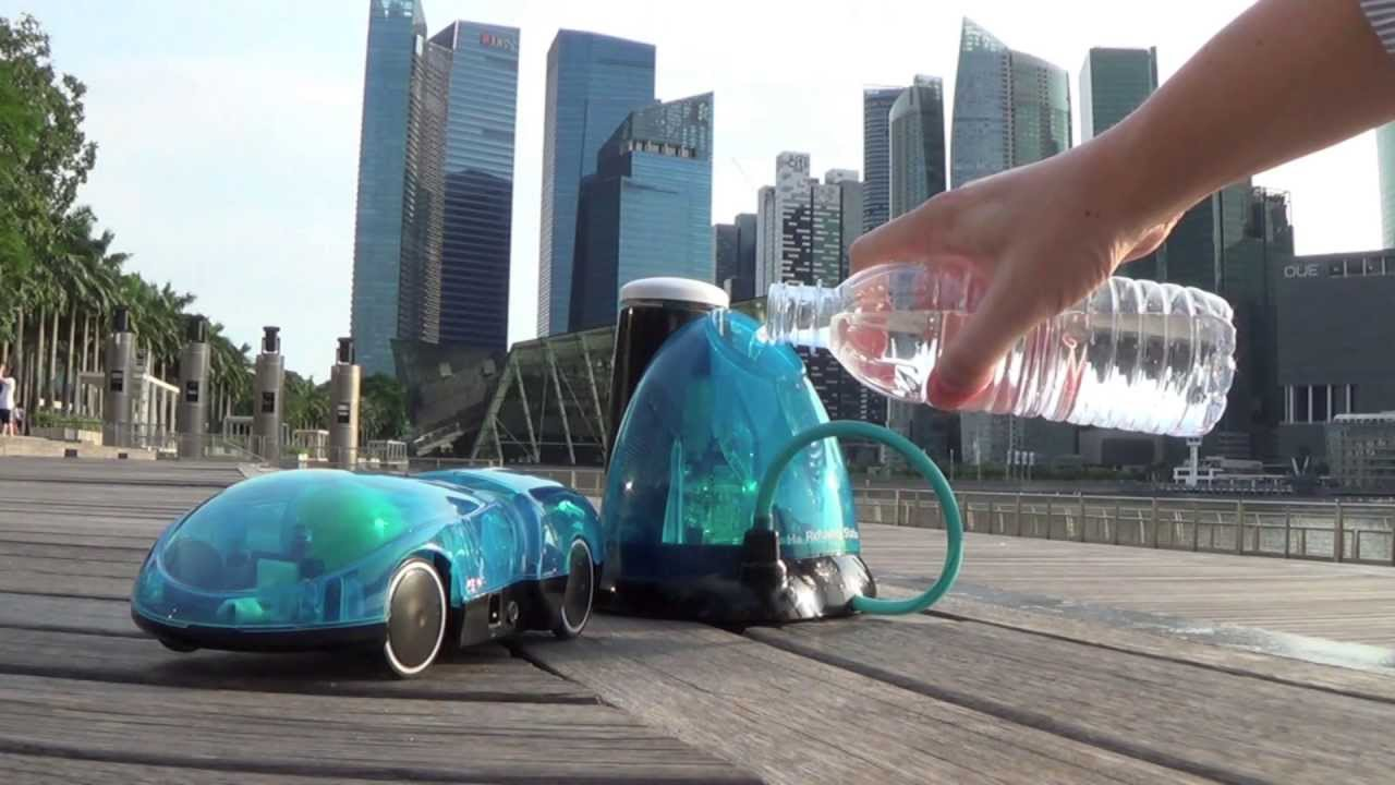 An RC Car That Runs On Water Is A Positively Charged Step