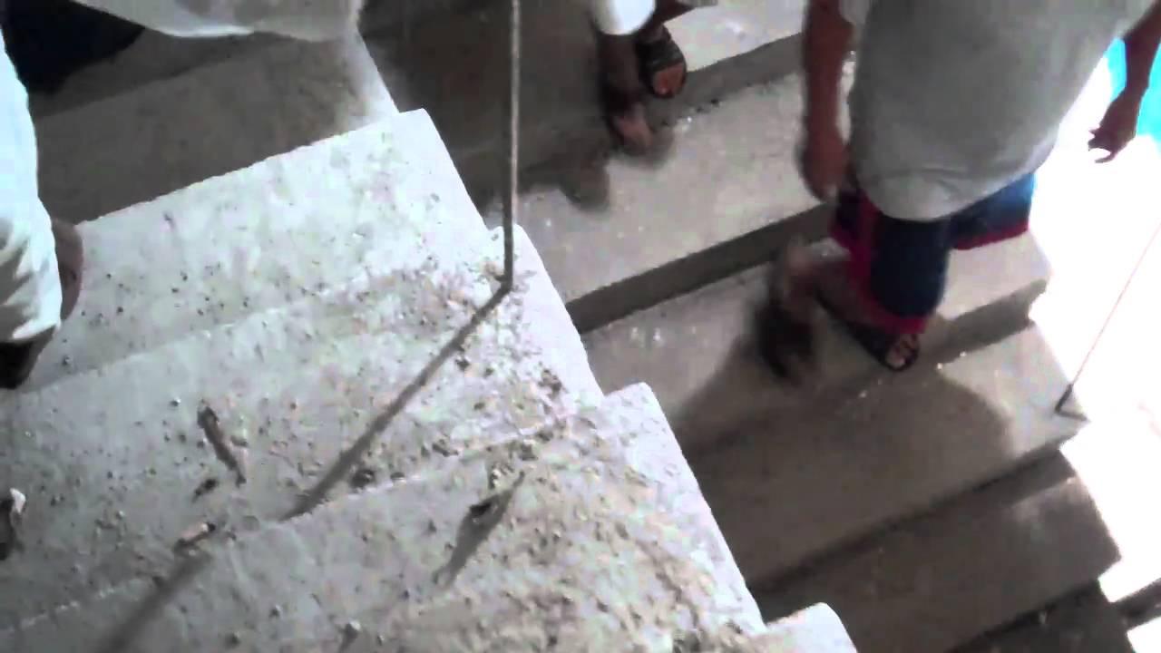 Escalera de concreto cemento en un cenote por abelardo for Como hacer una escalera en concreto