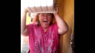 Video Banho de gelo na favela...kkkk download MP3, 3GP, MP4, WEBM, AVI, FLV November 2018