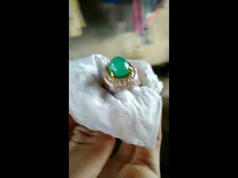 Natural Emerald Colombia 8.49 cts Clean - Cabochon