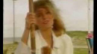 Pernilla Wahlgren - All Alone (Solstollarna)