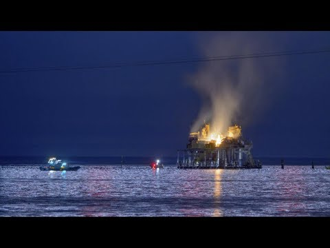 Oil rig explodes near New Orleans