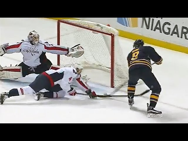 Holtby stretches for spectacular glove save