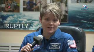 Kazakhstan: Expedition 58/59 crew answer questions one day before launch
