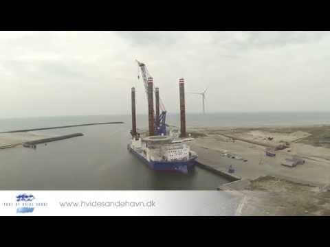 Kæmpe A2SEA Offshore Wind platform ankommer til Hvide Sande