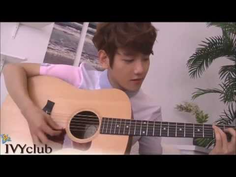「EXO for IVY CLUB」 Baekhyun and Chanyeol playing the guitar + Baekhyun singing (BTS) (HD)
