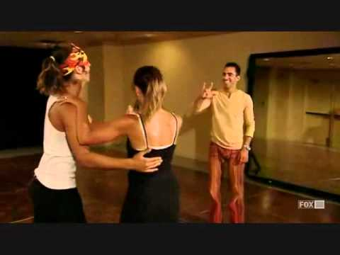 47 Jonnis & Michelle's Mambo (Part 1 The performance) Se1Eo5.