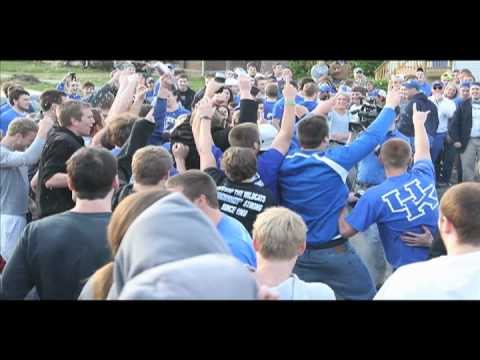 UK fans revel in Lexington after defeating UNC