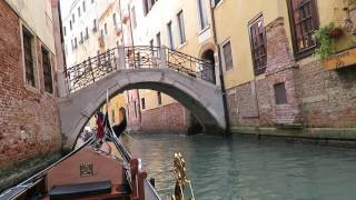 giro in gondola nei canali di Venezia con guida HD Beautiful Gondola Ride in Venice Italy 1 2