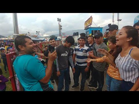 Llegó El Salvador Plus y los invitamos a cumplir el reto del TAGADA. Feria Estadio Cuscatlan.Parte 7