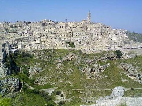 Trekking a Matera