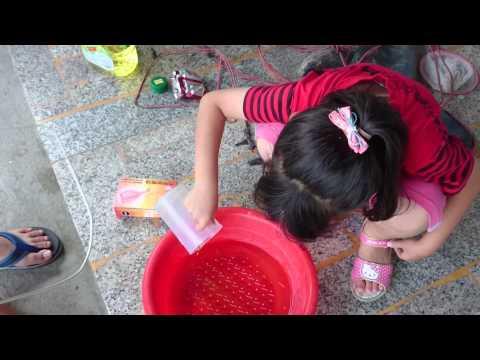2015/5/22 魚群的親子活動~泡泡水(甘油~洗碗精~膠水)