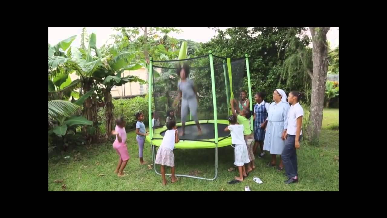 kangui la soci t kangui offre un trampoline jumpi 250. Black Bedroom Furniture Sets. Home Design Ideas