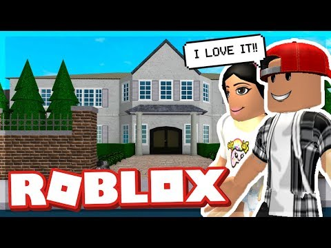 OUR FIRST MANSION IN BLOXBURG! - ROBLOX