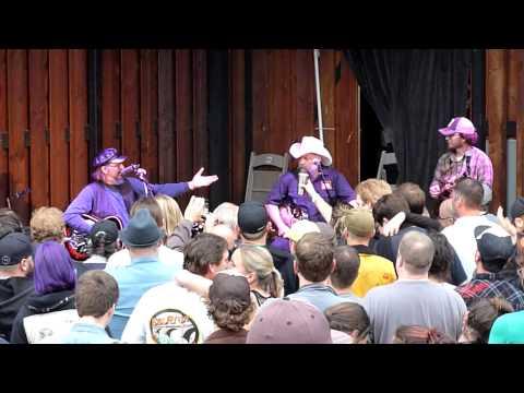 "Les Claypool's Duo De Twang - ""Rumble Of The Diesel"" & ""The Battle of New Orleans"" - Live 06-25-2013"