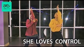 She Loves Control