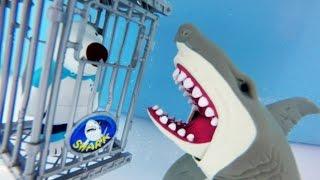 식인상어 감옥에 갇힌 포비와 결투! 낚시대를 구해줘! Biggest SHARK Attack! Deep Sea Boat Fishing For Toys Adventure