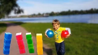 WoW Играем в КУБИКИ БОУЛИНГ и ФУТБОЛ ОДНОВРЕМЕННО Учим цвета на Русском и Английском Видео для детей