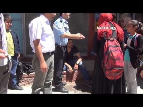 Öğrenci servisinin camına asılan çocuk öldü