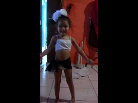 Fotos y bailando en bikini manita arriba(6)
