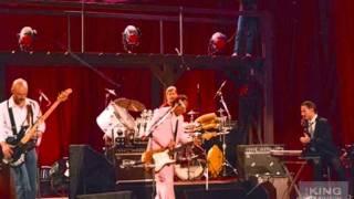 King Crimson - 02 - Thela Hun Ginjeet ( Live In Detroit November 09 , 1981 )