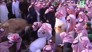 صور دفن الملك عبدالله بن عبدالعزيز في مقبرة العود