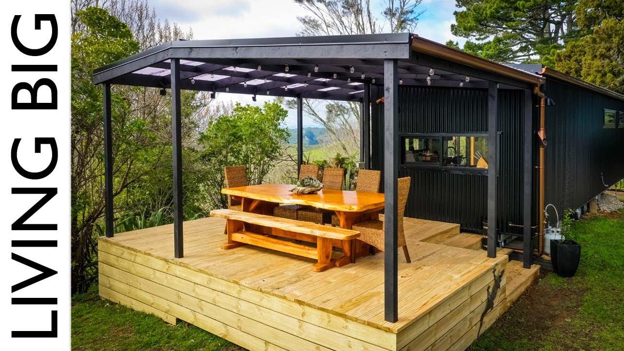 Amazing Modern Single Level Tiny House Gives Couple Ultimate Freedom