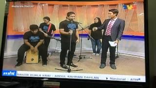 Caliphs Busker Malaysia Hari Ini (MHI) bersama KRU selepas AJL29